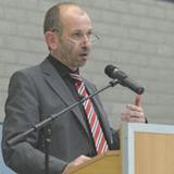 Präses Manfred Rekowski berichtet der Landessynode.
