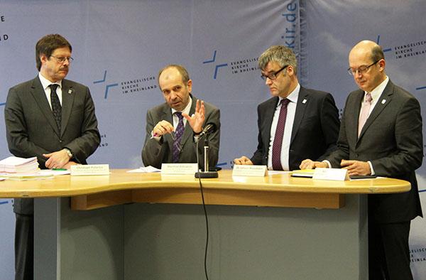 Erläuterten die Themen der Landessynode 2015: Vizepräses Pistorius (v.l.), Präses Rekowski, Vizepräsident Weusmann und Oberkirchenrat Baucks.