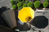 Blick vom Turm auf das Kunstwerk: ein Projekt des Vereins KunstRaumKirche der Lutherkirchengemeinde (Foto: Michael Wiegmann)