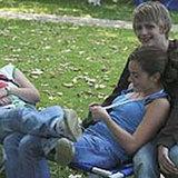 Nicht immer so entspannt wie auf diesem Bild: Jugendliche in der Pubertät - und ihre Eltern.