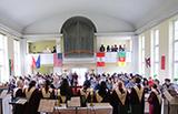 Kirchennacht vielsprachig und bunt: die Welt zu Gast in der in Deutschland einzigartigen American Protestant Church in Plittersdorf (Foto: APC Bonn)
