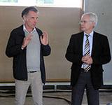Letzte Planungen vor der Eröffnung: Superintendent Eckart Wüster (recht) mit Architekt Jochem Kastner (Foto: K. Jürgensen)
