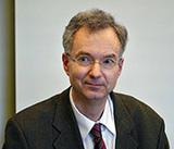 """Prof. Dr. Hartmut Kreß: """"Es sollte auch bei uns sichergestellt werden, dass schwerkranke Patienten mit einem Arzt, einem Psychologen oder einer anderen Person offen über ihren Suizidwunsch sprechen können."""" (Foto: R. Stieber)"""