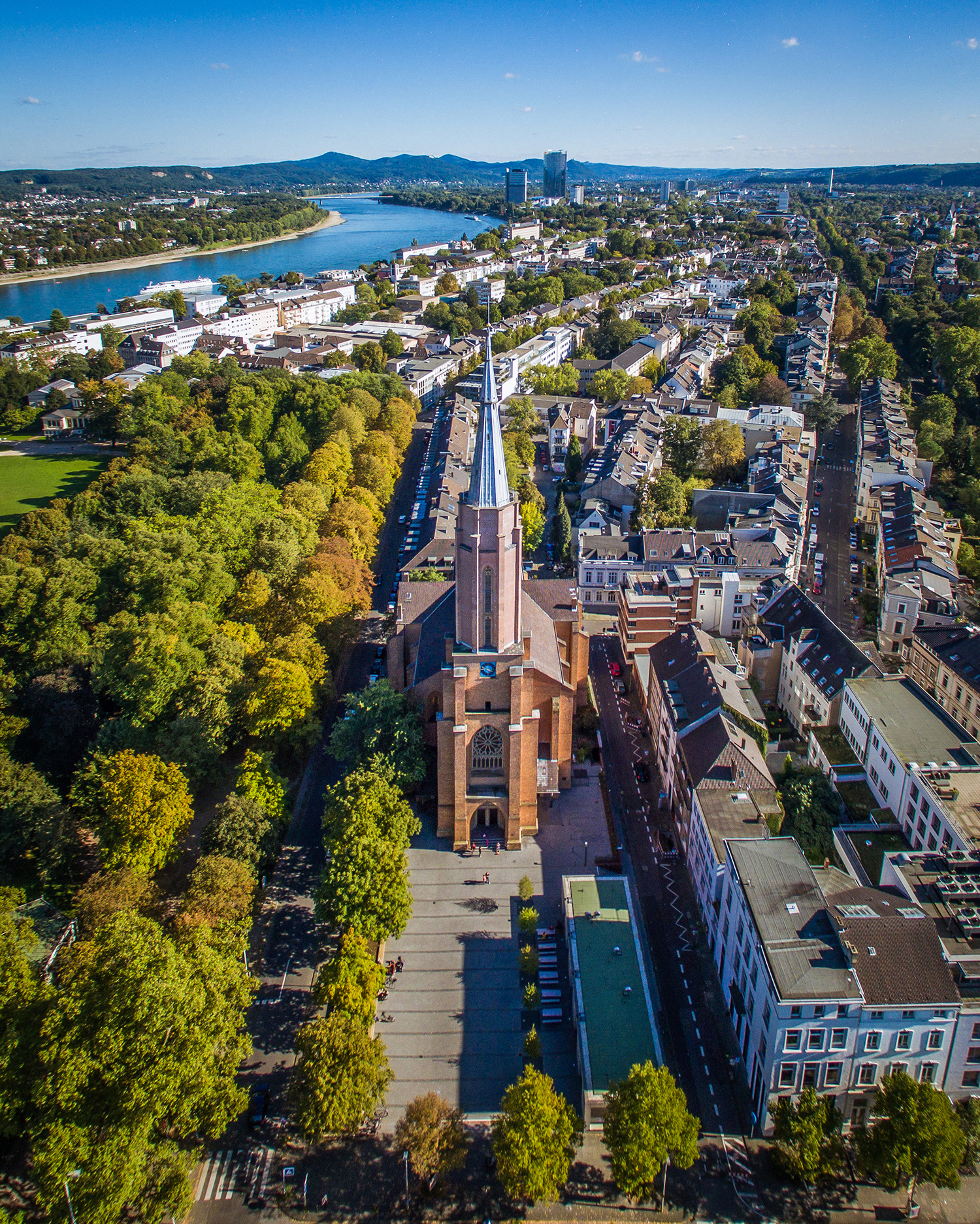 Die Kreuzkirche: evangelische Stadtkirche im Herzen Bonns und größte protestantische Kirche am Mittelrhein. (Foto: Volker Lannert)