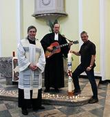 In guter Tradition ökumenisch vereint in der Schlosskirche: die Pfarrer Meik Schirpenbach (v.l.) und Joachim Gerhardt sowie Bernward Siemes (Foto: KK Bonn)